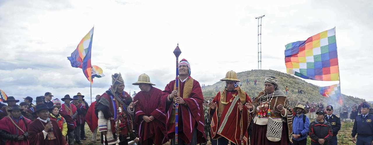 El gobierno de Bolivia organizó en el navegable más alto del mundo, a 3.800 m de altitud, actos religiosos y culturales.