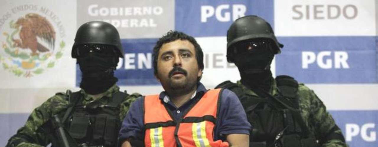 13 de enero del 2012.- Tras una fuerte movilización en los límites de Nuevo León y Coahuila, militares capturaron a Luis Jesús Sarabia Ramón, alias Pepito Sarabia\