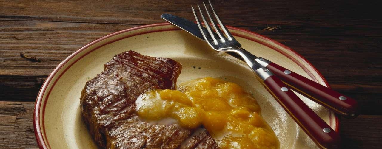 Cuidado con salsas que pueden añadir hasta 30g de grasa por porción.