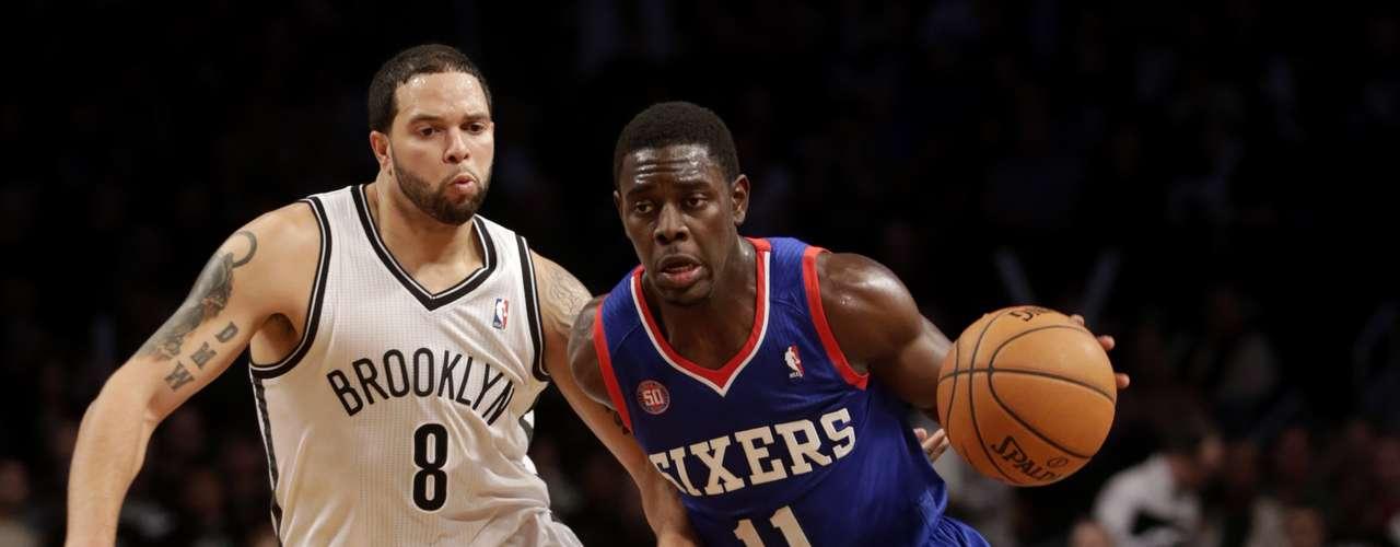Nets vuelven a la senda del triunfo tras vencer a Sixers.