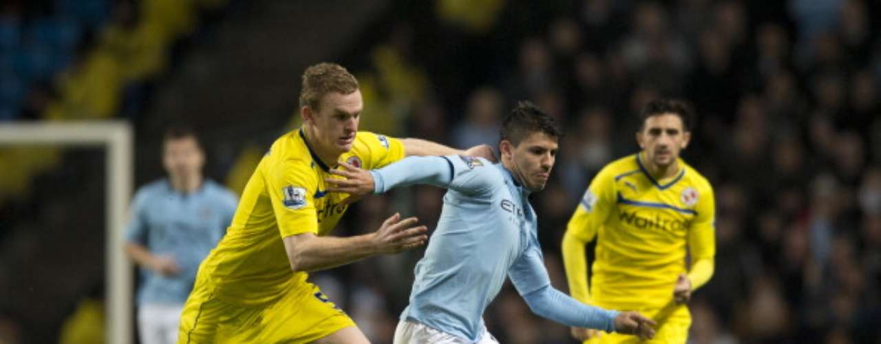 Manchester City vence 1-0 al Reading para colocarse a cuatro puntos del United