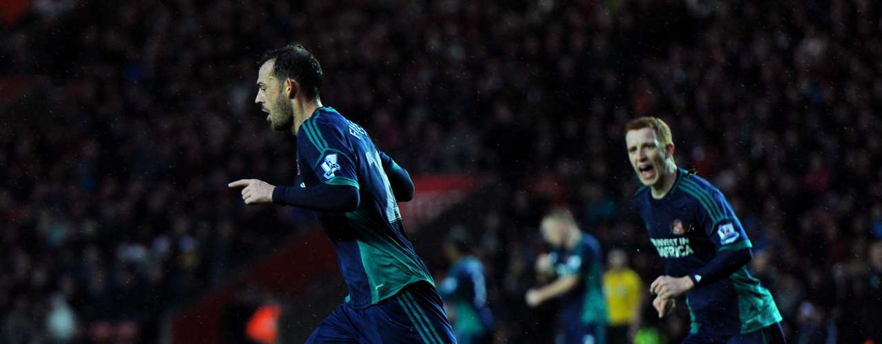 Sunderland got an important 1-0 win at Southampton.