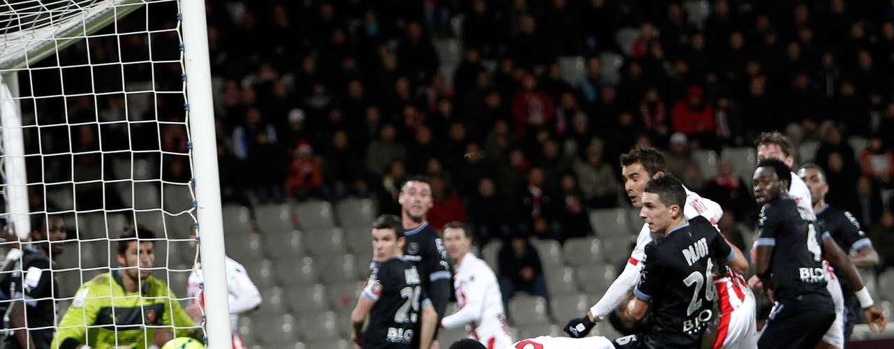 Ajaccio lo intentó, pero no le alcanzó y cayó en casa 2-4 ante Rennes.
