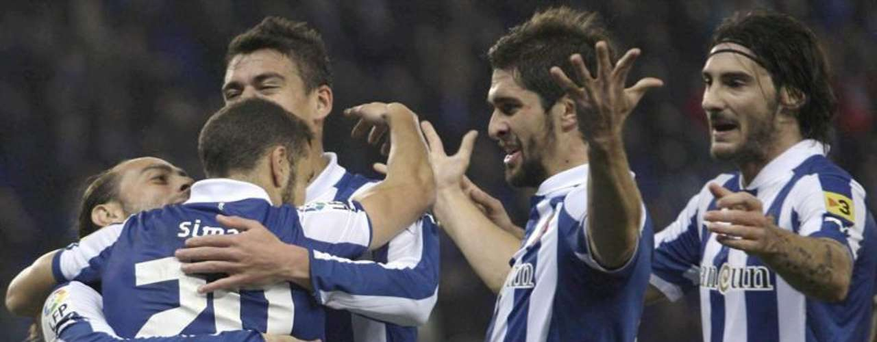 Espanyol got its first win with Javier Aguirre as head coach, beating Depor 2-0.