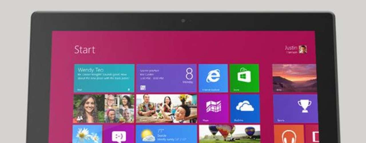 Microsoft Surface con Windows RT: El primer hardware fabricado por la propia Microsoft en sus 37 años de historia, la tablet es \