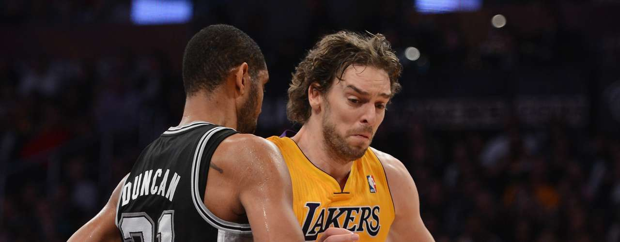 Lakers acquire Pau Gasol from Grizzlies (2008): At the time, this was regarded as one of the biggest steals in NBA history, though the trade doesn't look as bad seeing how Memphis got Pau's little brother Marc in the deal. But Gasol was traded for his brother, notorious No. 1 bust Kwame Brown, Javaris Crittenton, Aaron McKie, and first-round picks in 2008 and 2010, which turned into Donte Green and Greivis Vazquez, who is, along with Marc Gasol, the only player still on the roster from that trade. And the Lakers? With Pau in the frontcourt alongside Andrew Bynum and Lamar Odom, they won back-to-back championships in 2009 and 2010.