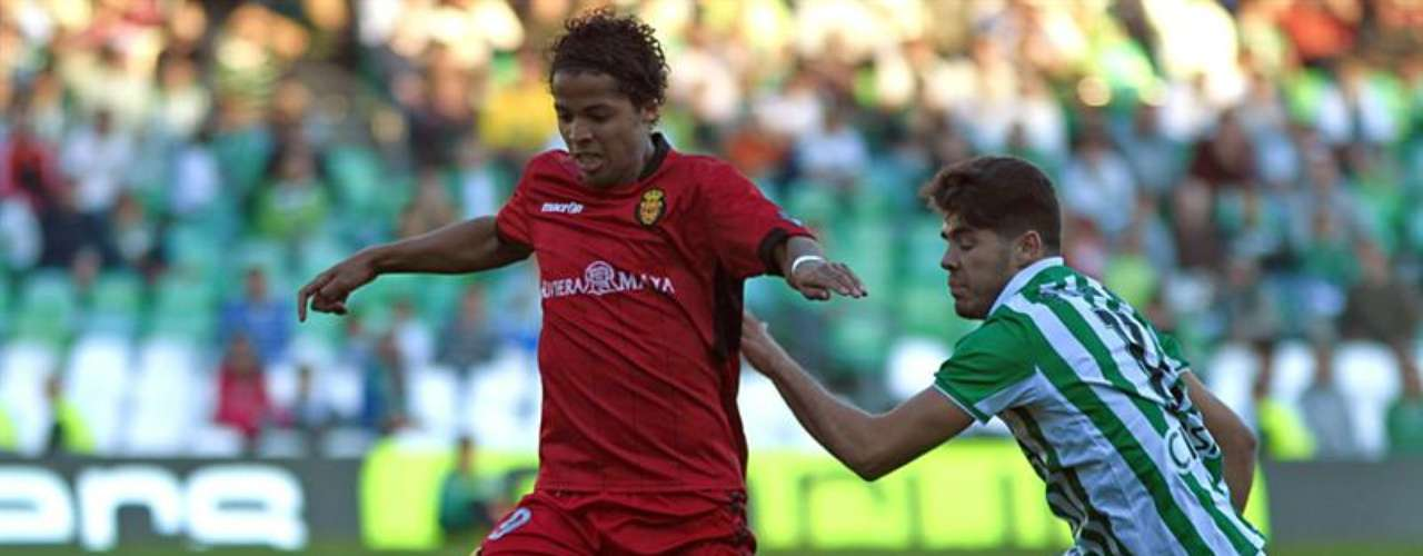 Giovani dos Santos was a starter again for Mallorca, which surprised Betis with a 2-1 win, the club's first in more than two months.