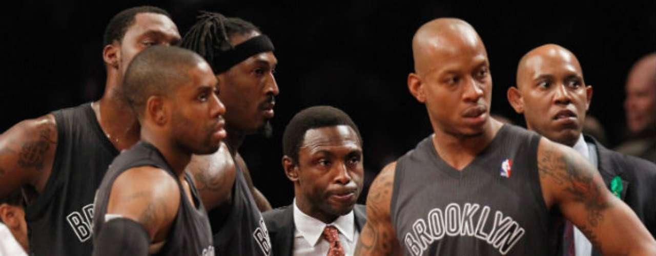 Gerald Wallace y Brook López anotaron 15 puntos para los Nets, que han perdido cuatro de cinco.