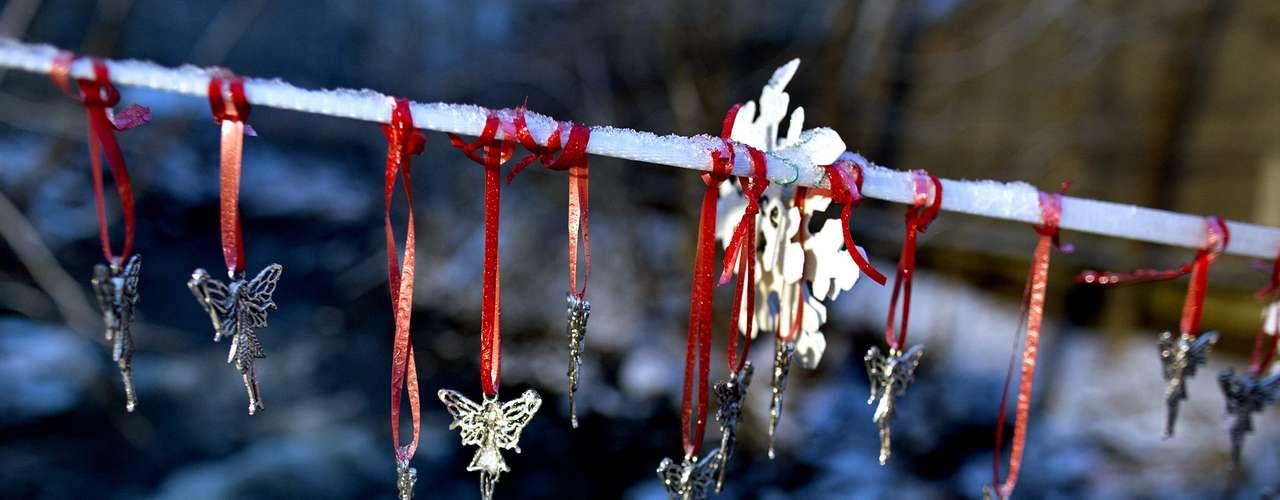 Al recordar los eventos del 14 de diciembre en la escuela primaria Sandy Hook, el reverendo Robert Weiss dijo: \