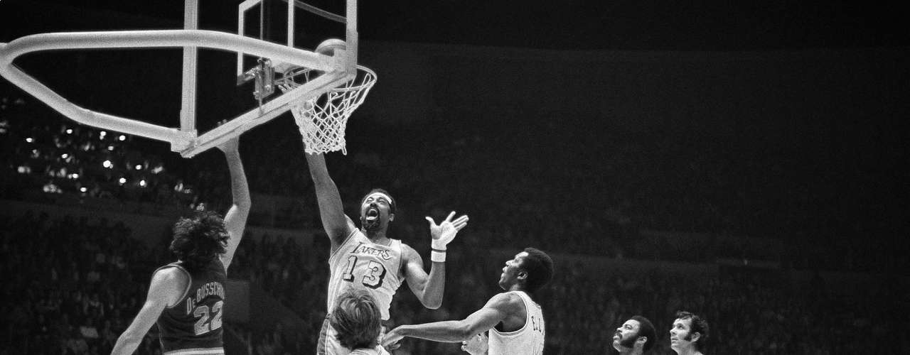 The longest win streak in NBA history belongs to the Los Angeles Lakers who achieved an impressive 33 straight victories in the 1971-1972 season.