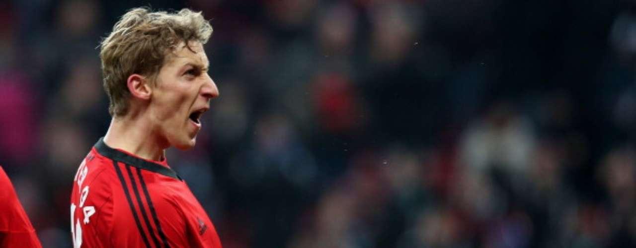 Stefan Kiessling, del Bayer Leverkusen,es el máximo artillero en la Bundesliga, con 12 tantos.