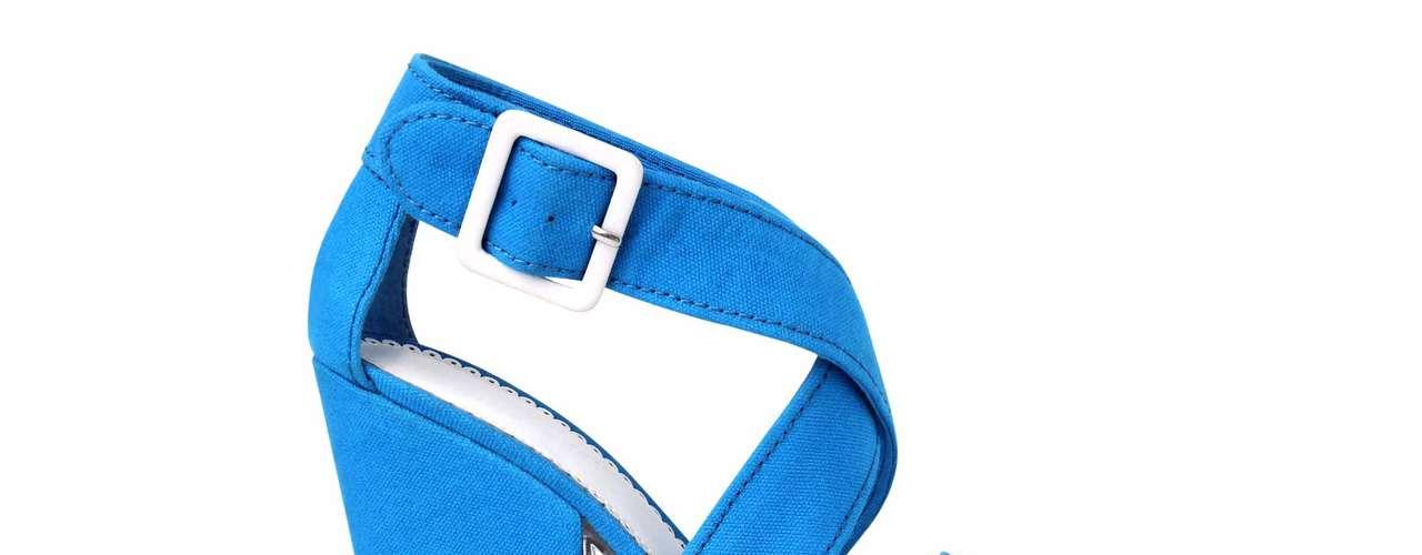 POR OLIVIA O'GAM. La marca de calzado y accesorios Nine West está lista para llenar los meses más calurosos de 2013 con diseños en colores vivos, estampados florales y el casi eterno animal print. Este es un avance de lo que será su colección para el2013.