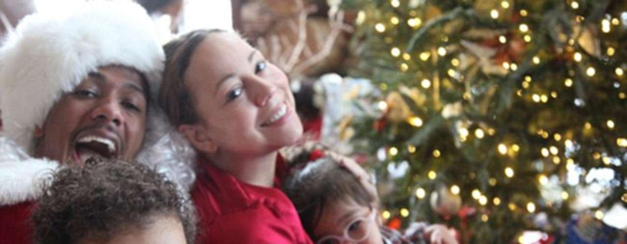 Mariah Carey, su esposo Nick Cannon y los mellizos Monroe y Moroccan, disfrutan de la temporada de fiestas juntos y felices.