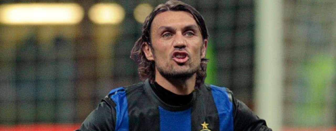 Ver a Paolo Maldini con la playera del Inter de Milán sería tan absurdo como decir que es feo