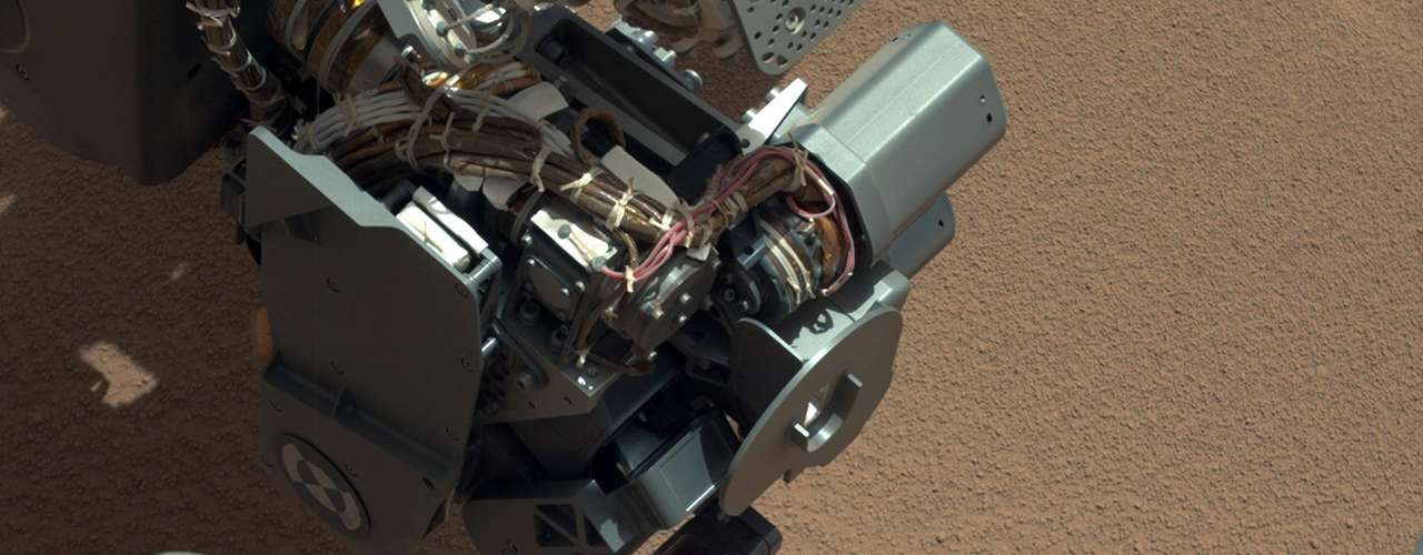 Si el Curiosity no se detiene, será un viaje de seis meses. Pero como los científicos quieren programar el explorador de seis neumáticos para descansar y examinar el suelo rocoso en el camino, podría convertirse en una odisea de nueve meses.