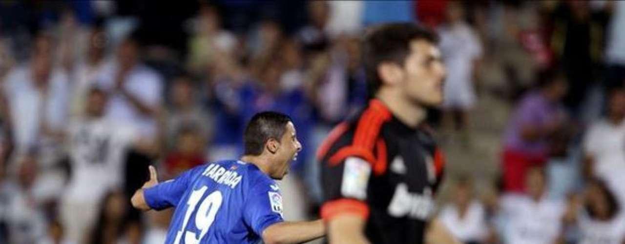 26 de agosto. El Getafe vence al Real Madrid por 2-1, agravando el mal comienzo de liga del cuadro de Mouriño.