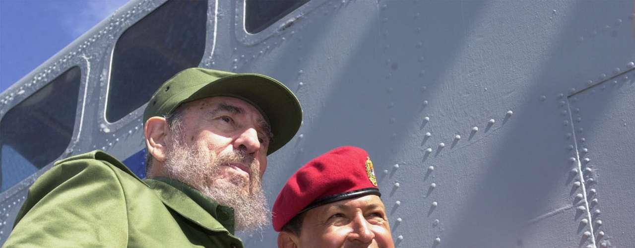 Hugo Chávez con su amigo y mentor político, Fidel Castro