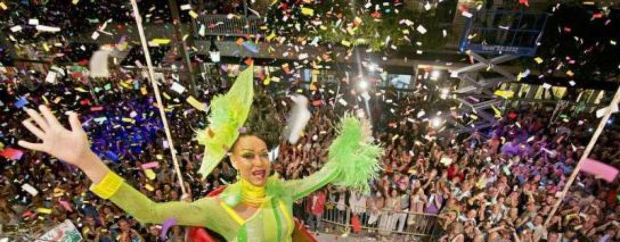 El turismo gay encuentra una opción interesante en Florida si de festejar el fin de año se trata. Lleva por nombre The Red Shoe Drop y es toda una tradición al ritmo y ambiente de las drag queen.