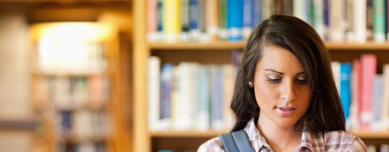 Estudiantes cansados, calificaciones afectadas: Pasar toda la noche estudiando para los exámenes no es una buena idea, según encontró un estudio llevado a cabo en Los Ángeles con estudiantes de secundaria. Cuanto más tiempo pasaban estudiando durante la madrugada, peores eran sus calificaciones.