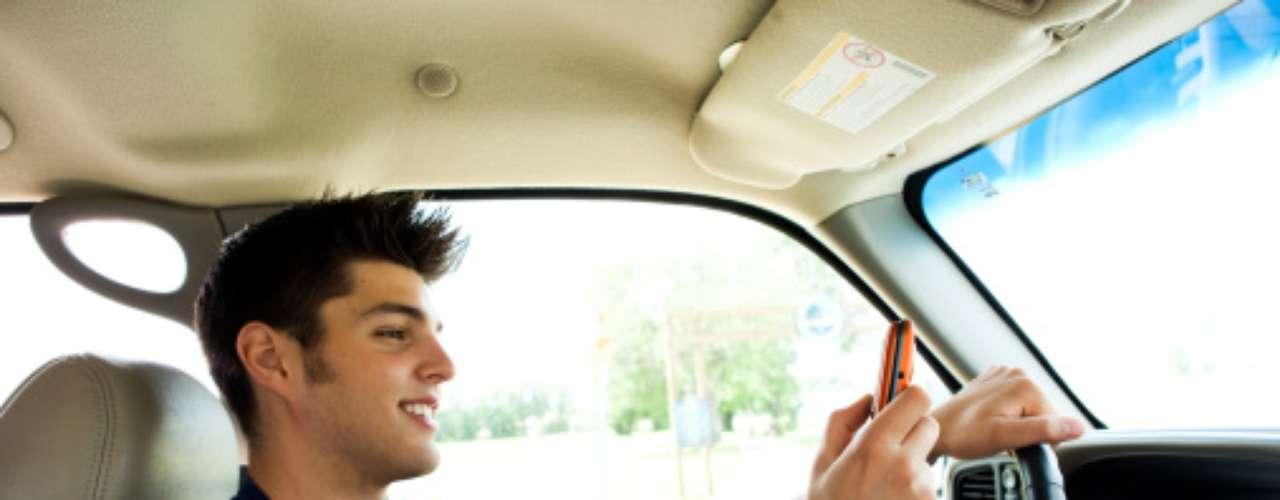 ADOLESCENTES: Dejarán los mensajes de texto para cuando no estén al volante.
