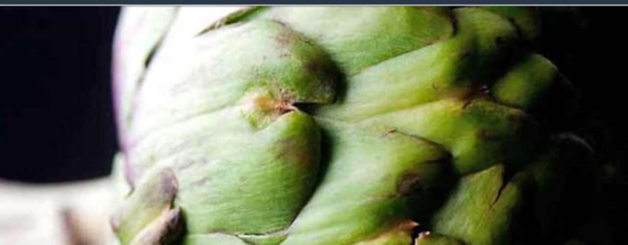 Las hortalizas de hoja verde, como el brócoli, el apio, las acelgas y la alcachofa, que contienen clorofila, ayudan a depurar los riñones y el hígado.
