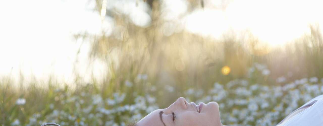 El periódico británico The Huffington Post publicó los más recientes hallazgos sobre el sueño que revelan los beneficios que dormir bien aporta al cuerpo al igual que las consecuencias de su privación.