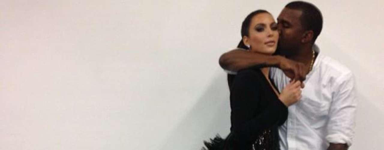 Kim Kardashian y Kanye West, los próximos padres, compartieron la buena nueva en sus redes sociales.