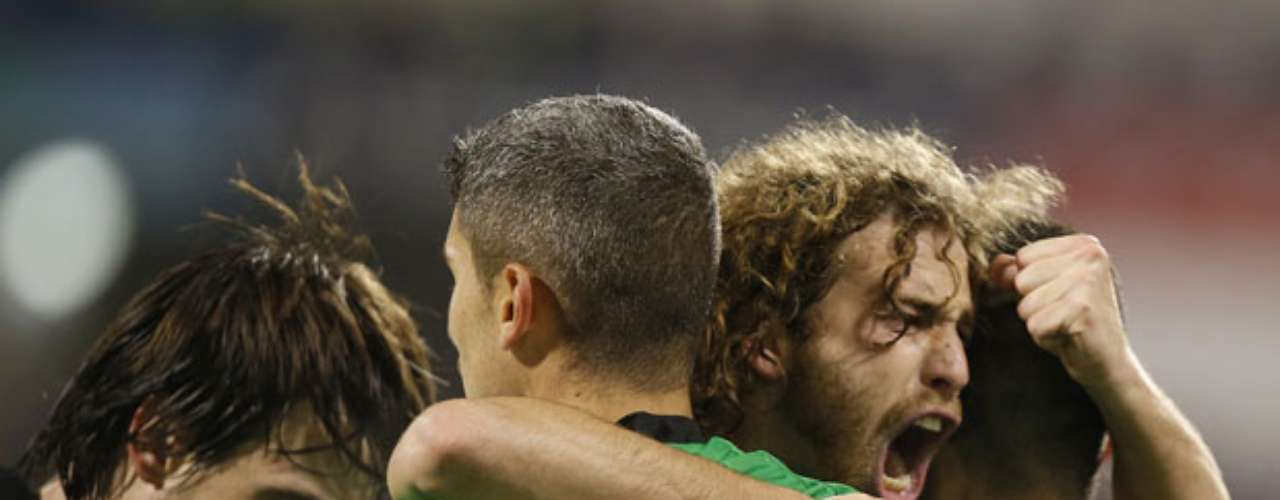 Real Betis moved into a tie for fourth place in La Liga as it defeated Zaragoza 2-1 in the first game of the La Liga season in 2013.