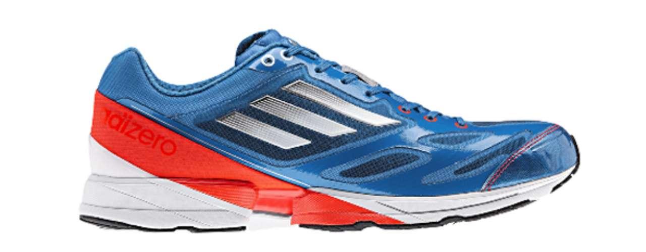 Adizero Feather 2. Esta zapatilla presenta una parte superior de malla perforada transpirable, tecnología Sprintframe para mayor estabilidad y Adiprene en la parte delantera del pie para mayor impulso en tu pisada.