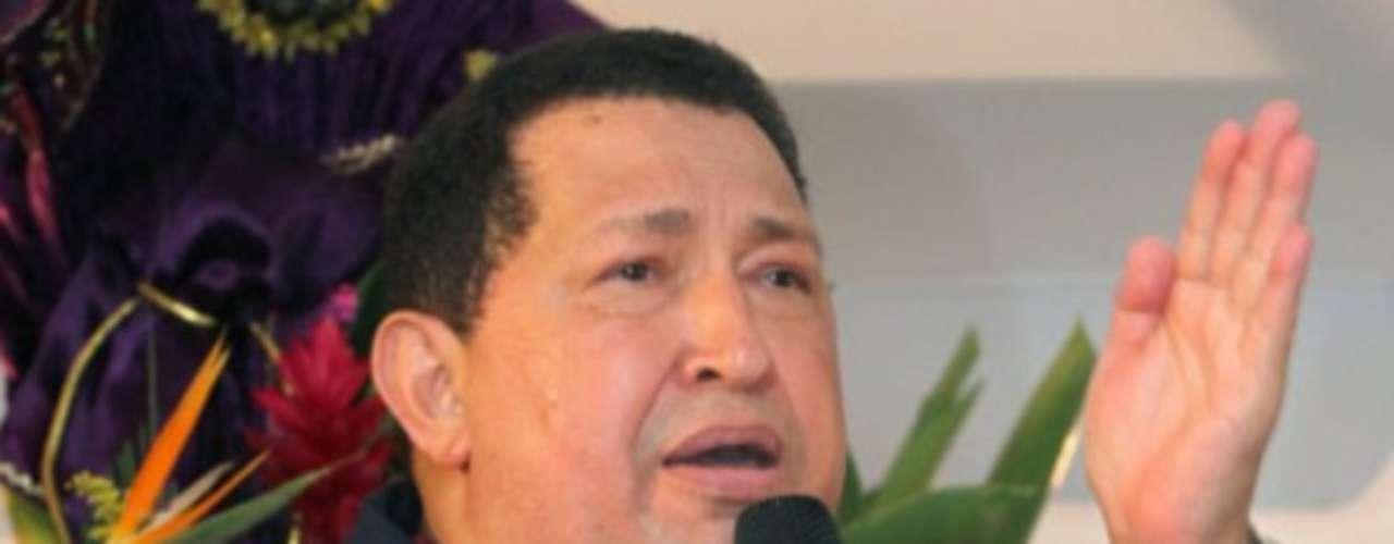 El presidente de Venezuela, Hugo Chávez, acudió a una misa en Barinas tras su retorno de Cuba, donde fue sometido a una segunda sesión de radioterapia. Durante su discurso, el mandatario venezolano rezó por su salud y pidió por su vida, incluso hasta las lágrimas.