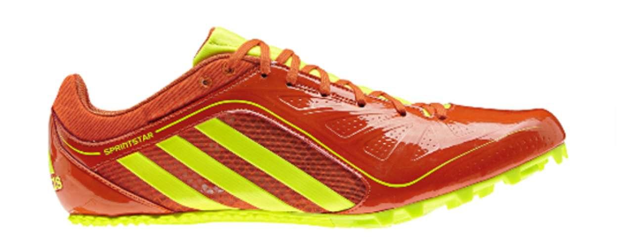 Sprintstar3. La zapatilla Adidas Sprintstar 3 para hombres presenta un diseño ligero con una placa Pebax rígida y clavos removibles. Esta zapatilla cuenta con una parte superior de malla transpirable para mayor comodidad y una plantilla de EVA para mayor amortiguación.