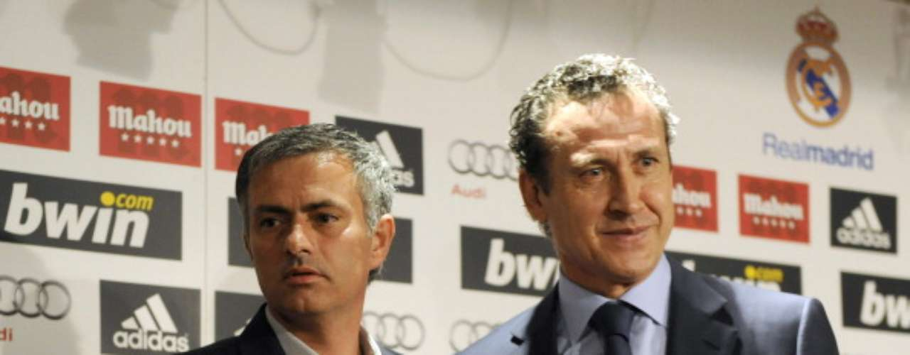 One of Mourinho's biggest wins in Madrid was the exit of Jorge Valdano from the sports director position. President Florentino Pérez eliminated that position in the club's structure and gave total control of the team to Mourinho.