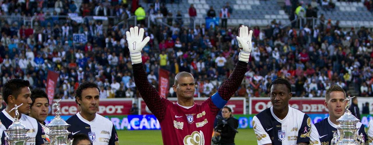 Pachuca also retired the number of its legendary keeper, Miguel Calero, after he died of a blood clot at the end of 2012. The club says the number '1' will never be used again.