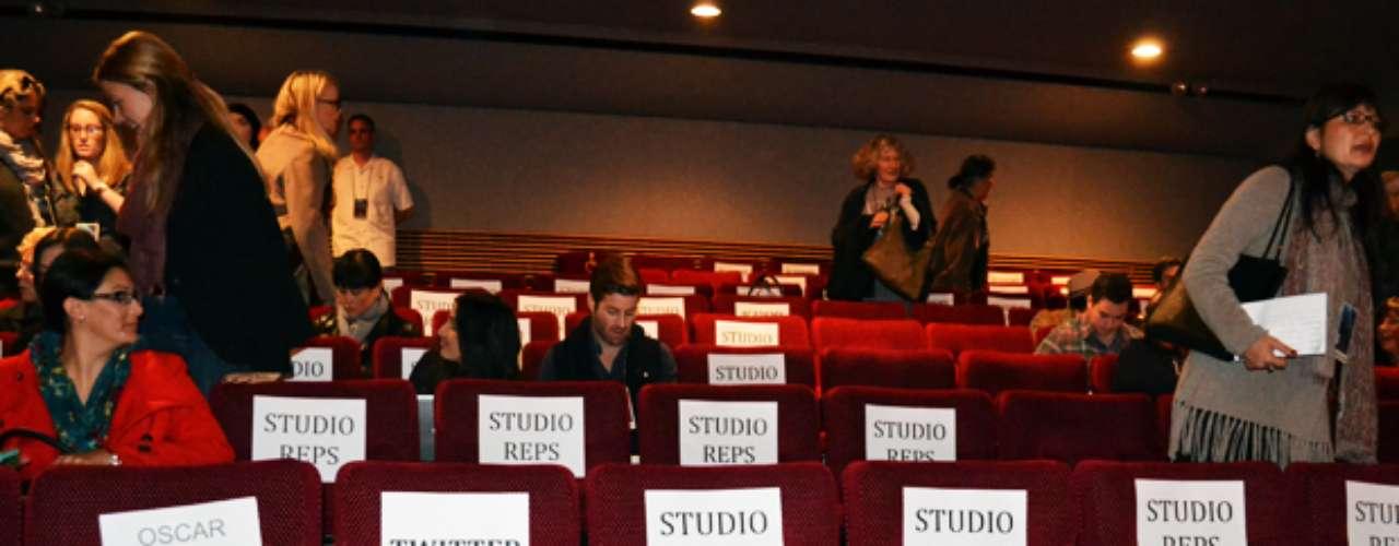 Una vez dentro del teatro de laAcademia de Artes encontramos nuestros asientos.