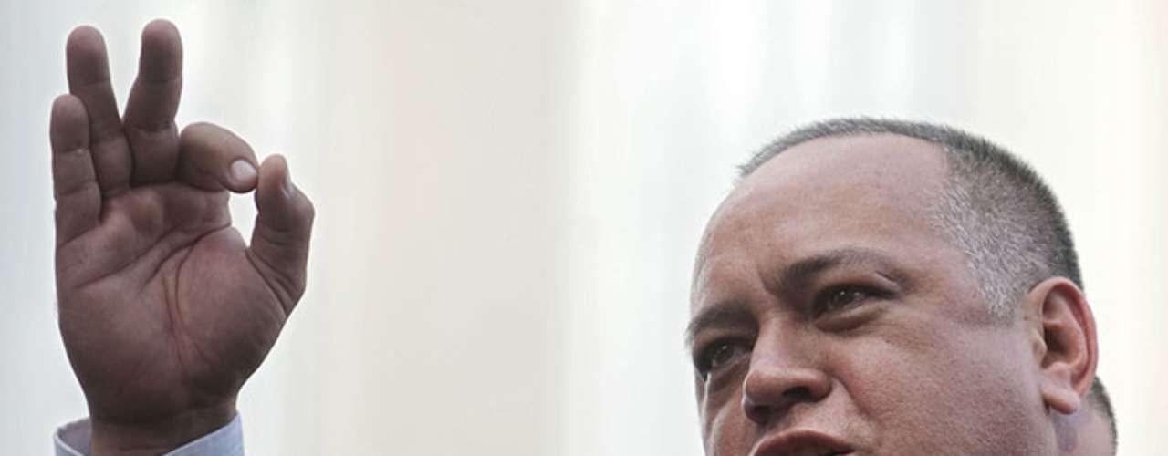 Entonces toda la atención la captó Diosdado Cabello,presidente de la Asamblea Nacional y titular del máximo órgano institucional que cuenta con el refrendo de haber ganado una votación popular.