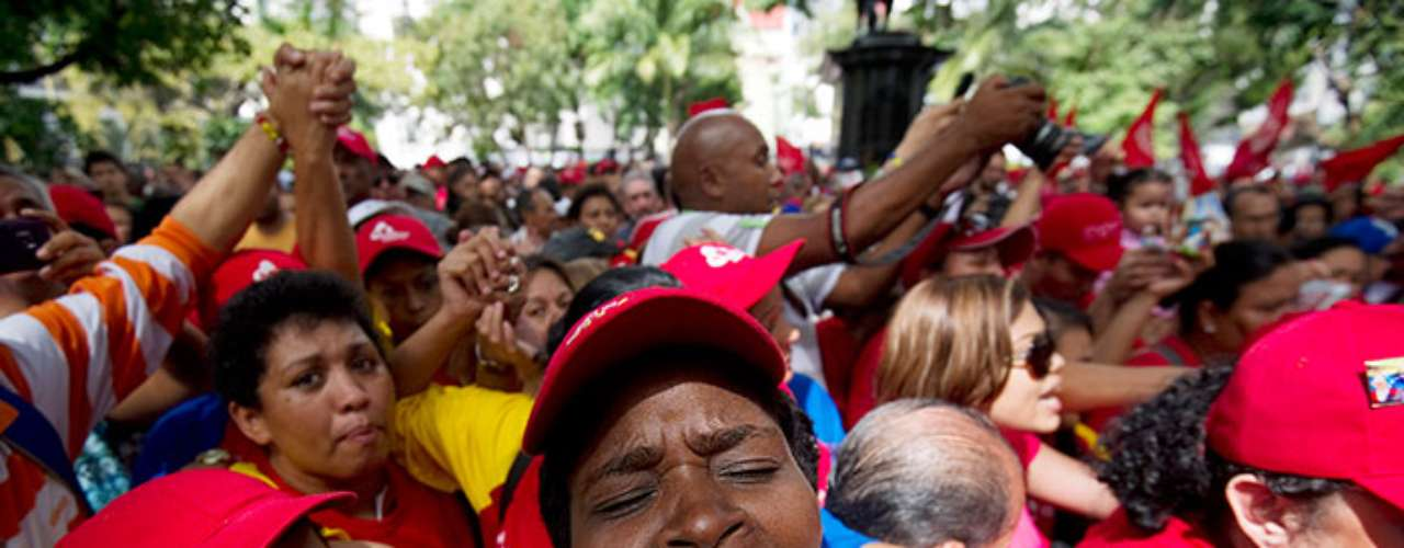 La incertidumbre en Venezuela por la salud Hugo Chávez comenzó el 10 de diembre, cuando el comandante viajó a La Habana someterse nuevamente a una intervención quirúrgica debdio al cáncer pélvico que le aqueja desde el 2011.