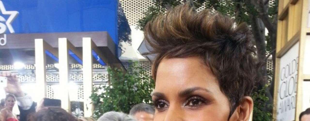Esta imagen de Halle Berry fue publicada en el perfil de Twitter de los Globo de Oro.