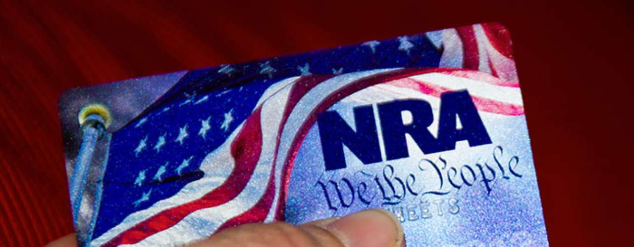The main opponent to gun control is the National Rifle Association (NRA). This organization has always recalled the US constitutional right to possess a weapon.