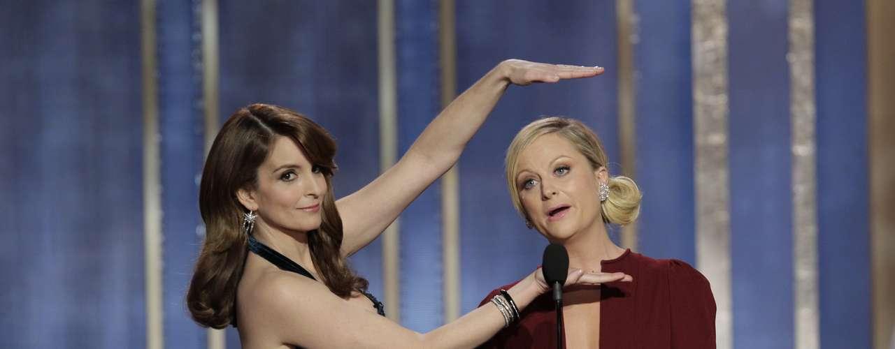 Amy Poehler y Tina Fey fueron las presentadores de los Golden Globes 2013 y tuvieron muchos momentos chistosos. \