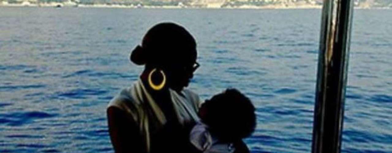 Beyonce Knowles y Jay-Z dieron la bienvenida Ivy Blue en enero de 2012, y ella puede estar súper cerca con el bebé Kimye