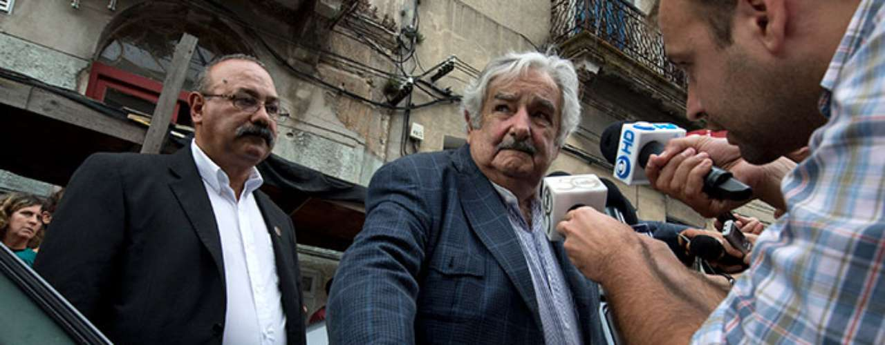 Mujica did not surrender and in 2004 entered in politics in Uruguay. In 2004, after a left and center coalition 'Frente Amplio' won the elections, he was designated secretary of agriculture, livestock and fishing.