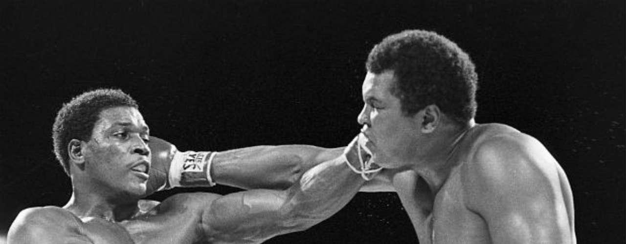 Ali tuvo una prolongada carrera, ya que se retiró a los 39 años. Su último combate fue en 1981 y lo perdió ante Trevor Berbick ya sin ningún título de por medio.
