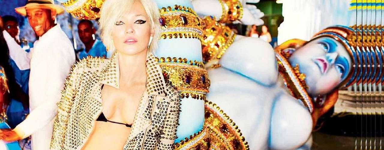 Lo cierto es que la rubia es un ícono en el mundo de la moda. Los diseñadores se pelean porque lleve sus prendas. A ella le encanta lucir diseños de modistos jóvenes y es frecuente que lleve outfits de diseñadores alternativos.