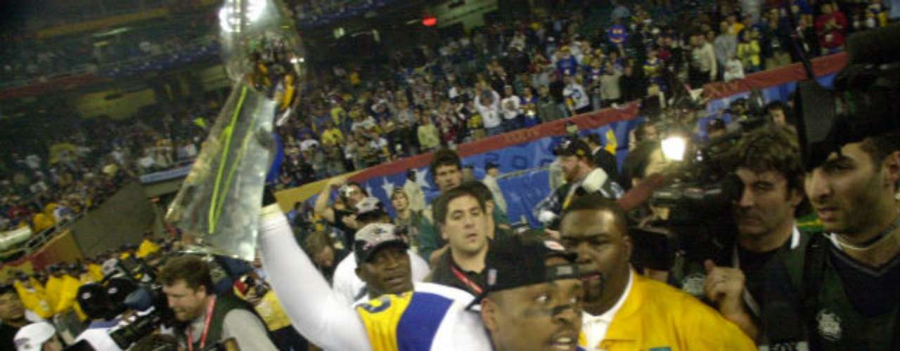 St. Louis Rams se llevaron el Super Bowl XXXIV al vencer en un gran partido por 23-16 a Tennessee Titans.