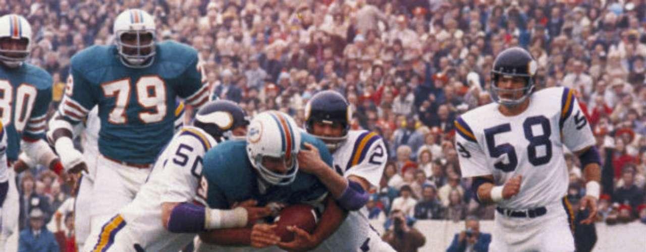 Miami Dolphins venció sin apuros 24-7 a Minnesota Vikings en el Super Bowl VIII.