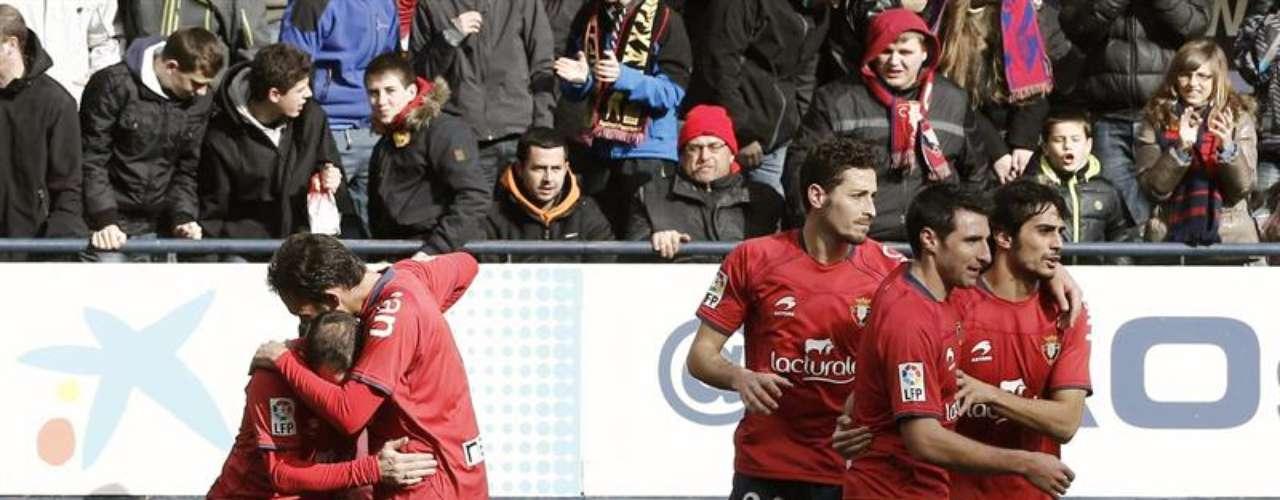 Osasuna came up for air with a 2-1victory againstDeportivo La Coruña.