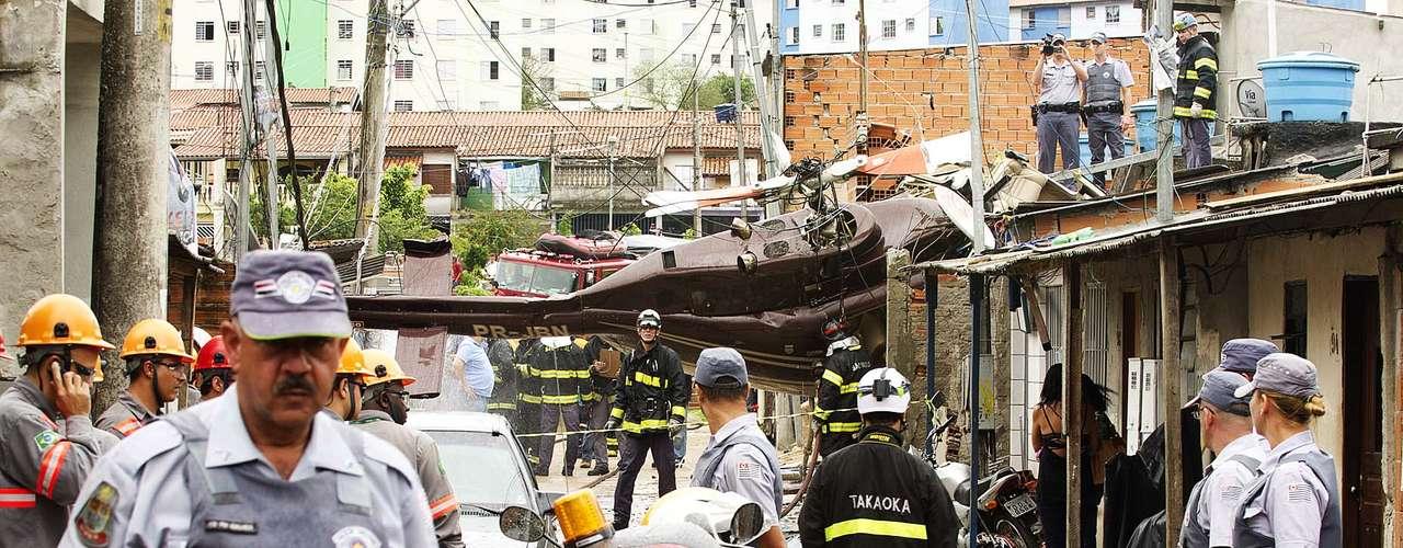 El accidente ocurrió hacia las 12:40, hora local.