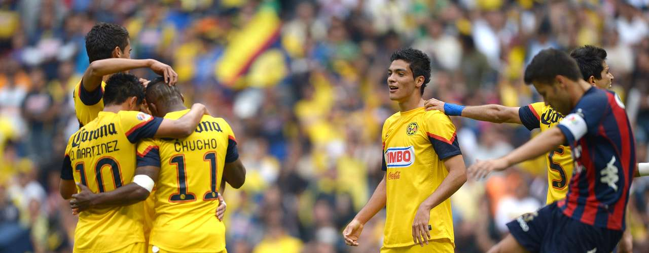 América continued its strong start with a 4-0 rout of Atlante. Raúl Giménez was the hero with a brace, Jesús Molina and Christian Benítez completed the fiesta at Azteca