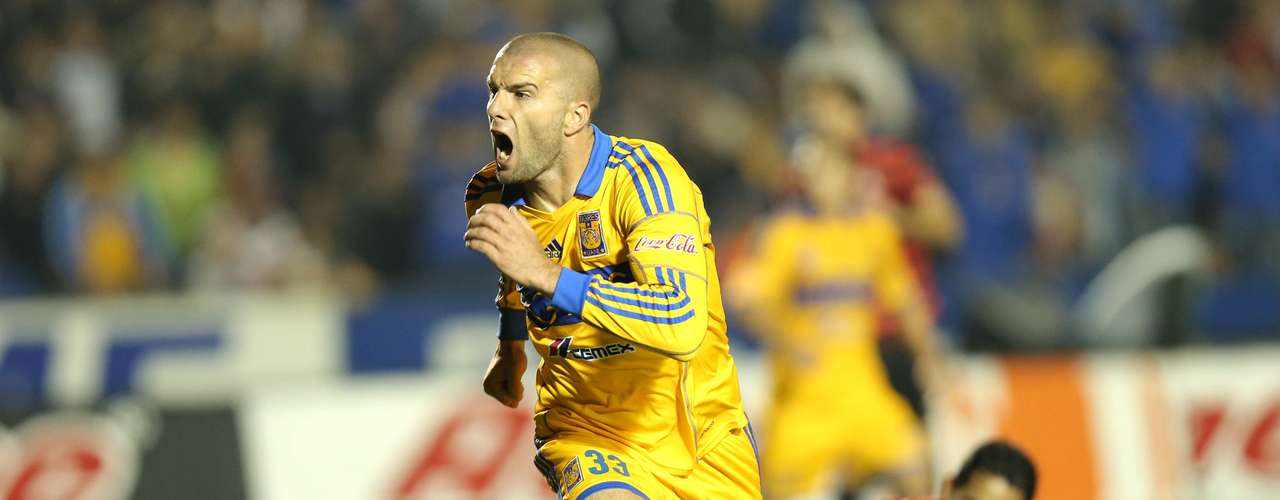 Emanuel Villa scored the winning goal for Tigres against Atlas (1-0) and Tigres remains perfect.