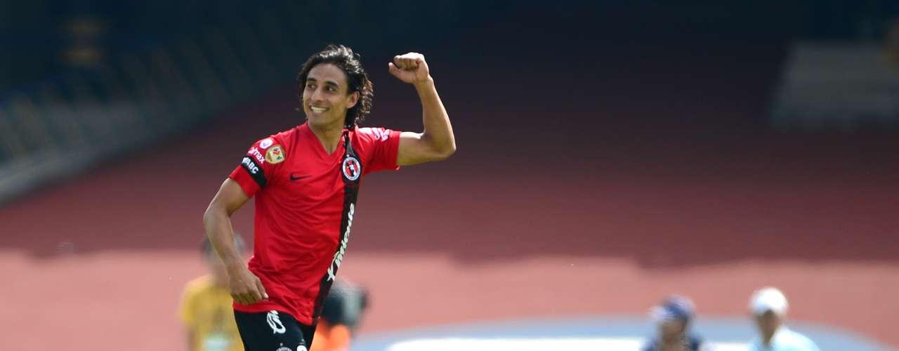 Volante ofensivo - Fernando Arce - Tijuana. Con un gran gol de tiro libre sentenció el partido ante Pumas y le dio los tres puntos a Xolos